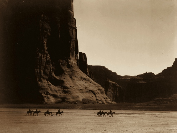 native-america-curtis-canyon_de_chelly_navajo2